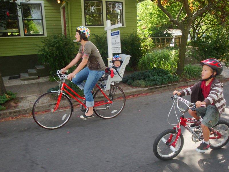 biking outdoor family activities