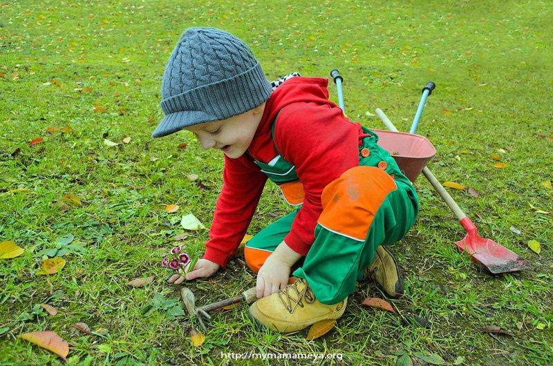 gardening fun outdoor family activities